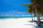 beautiful_white_sand_beach_in_akumal_mexico_436
