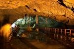 scarisoara-cave